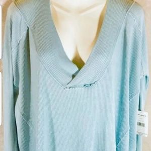 Free people sweater with thumbholes